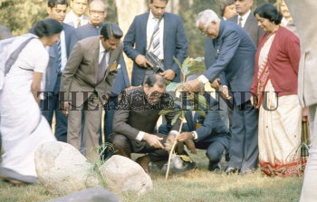 Image Id : 1021088 <span>Date : 1985-11-19 <span>Category : Politics</span>