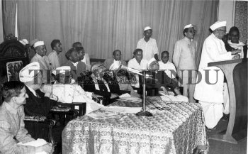 Image Id : 1148227 <span>Date : 1962-09-22 <span>Category : Politics</span>