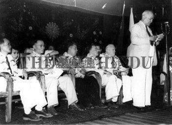 Image Id : 1362507 <span>Date : 1955-04-06 <span>Category : Politics</span>