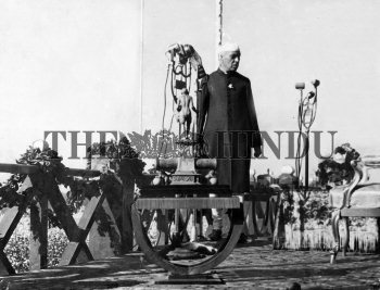 Image Id : 1689890 <span>Date : 1945-12-29 <span>Category : Politics</span>