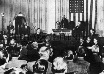 Image Id : 1690005 <span>Date : 1949-10-01 <span>Category : Politics</span>