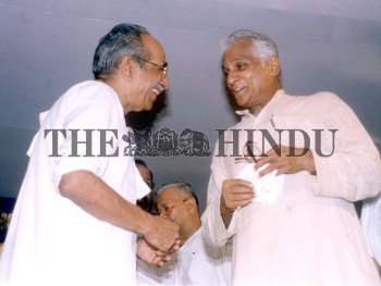 Image Id : 1705460 <span>Date : 2003-09-20 <span>Category : Politics</span>