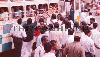 Image Id : 1986684 <span>Date : 2003-11-24 <span>Category : Politics</span>