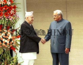 Image Id : 1986956 <span>Date : 2003-11-24 <span>Category : Politics</span>