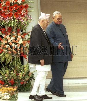 Image Id : 1986957 <span>Date : 2003-11-24 <span>Category : Politics</span>