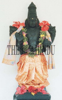 Image Id : 2100705 <span>Date : 2003-11-26 <span>Category : Religion and Belief</span>