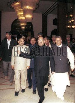 Image Id : 2264334 <span>Date : 2004-01-27 <span>Category : Politics</span>