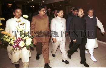 Image Id : 2264338 <span>Date : 2004-01-27 <span>Category : Politics</span>