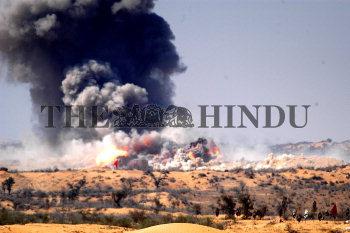 Image Id : 2424401 <span>Date : 2004-03-01 <span>Category : Politics</span>