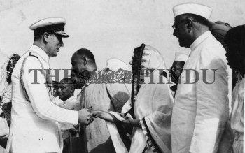 Image Id : 2461345 <span>Date : 1948-06-24 <span>Category : Politics</span>
