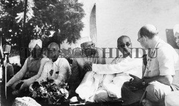 Image Id : 2461598 <span>Date : 1948-10-17 <span>Category : Politics</span>
