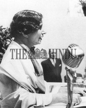 Image Id : 2472251 <span>Date : 1950-05-11 <span>Category : Politics</span>