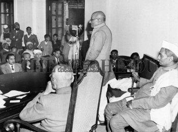 Image Id : 2472644 <span>Date : 1950-01-11 <span>Category : Politics</span>