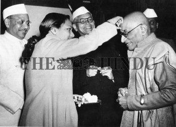 Image Id : 2472689 <span>Date : 1949-11-01 <span>Category : Politics</span>