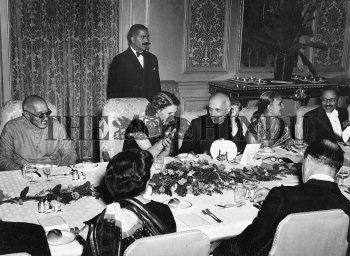 Image Id : 2472708 <span>Date : 1950-01-24 <span>Category : Politics</span>