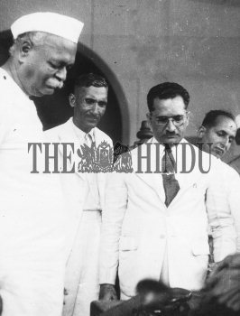Image Id : 2536060 <span>Date : 1948-10-18 <span>Category : Politics</span>