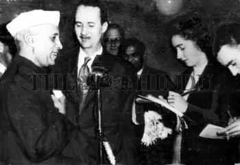 Image Id : 2536092 <span>Date : 1949-10-12 <span>Category : Politics</span>