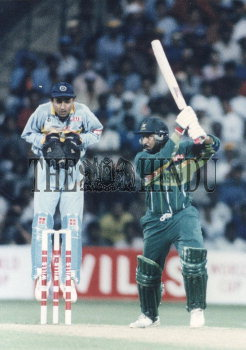 Image Id : 2703918 <span>Date : 1996-03-09 <span>Category : Sport</span>