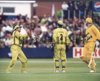 Image Id : 2718422 <span>Date : 1999-05-23 <span>Category : Sport</span>
