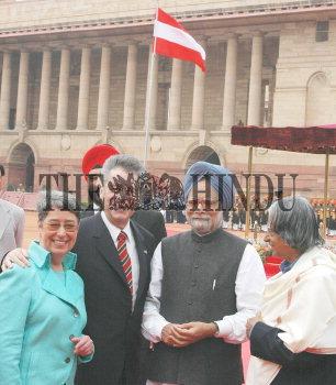 Image Id : 4360599 <span>Date : 2005-02-17 <span>Category : Politics</span>