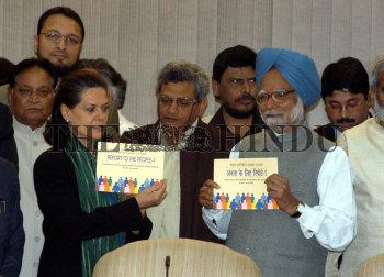 Image Id : 4436720 <span>Date : 2005-03-01 <span>Category : Politics</span>