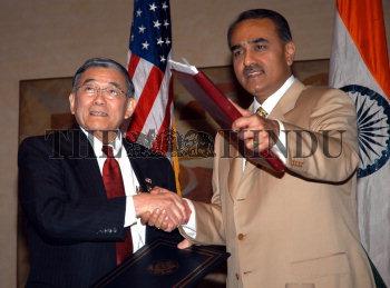 Image Id : 4707732 <span>Date : 2005-04-14 <span>Category : Politics</span>