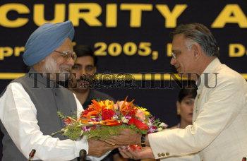 Image Id : 4714224 <span>Date : 2005-04-15 <span>Category : Politics</span>