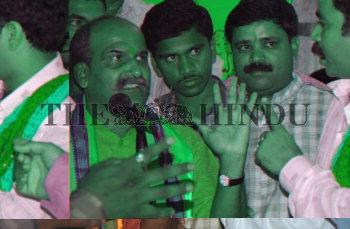 Image Id : 5609138 <span>Date : 2005-09-11 <span>Category : Politics</span>
