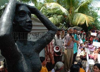 Image Id : 5616426 <span>Date : 2005-09-12 <span>Category : Politics</span>