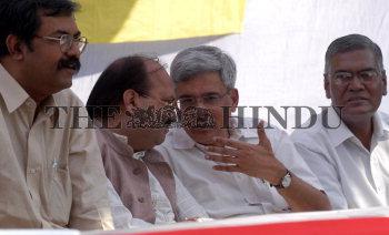 Image Id : 5943434 <span>Date : 2005-10-29 <span>Category : Politics</span>