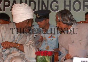 Image Id : 6016665 <span>Date : 2005-11-08 <span>Category : Politics</span>