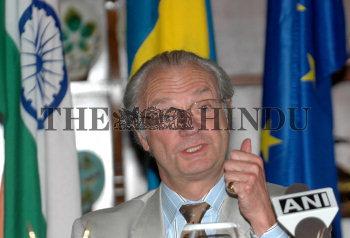 Image Id : 6159972 <span>Date : 2005-11-25 <span>Category : Politics</span>