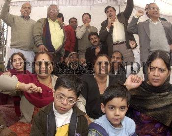 Image Id : 6344323 <span>Date : 2005-12-18 <span>Category : Politics</span>