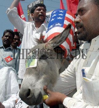 Image Id : 6987373 <span>Date : 2006-03-02 <span>Category : Politics</span>