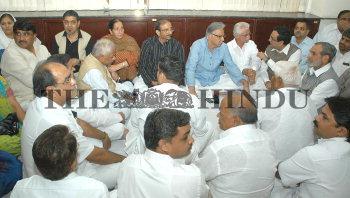 Image Id : 10067152 <span>Date : 2006-10-29 <span>Category : Politics</span>