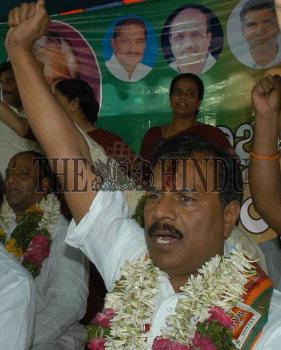 Image Id : 12126985 <span>Date : 2007-04-23 <span>Category : Politics</span>