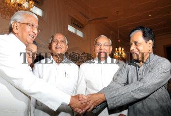 Image Id : 103382085 <span>Date : 2008-07-01 <span>Category : Politics</span>