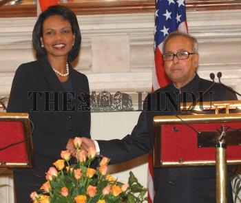 Image Id : 106021038 <span>Date : 2008-12-03 <span>Category : Politics</span>