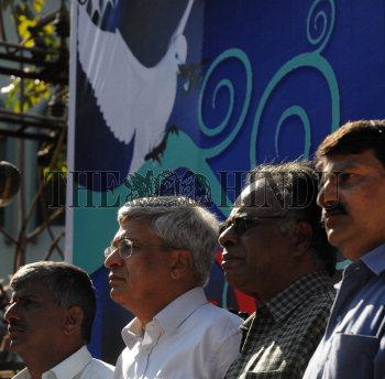 Image Id : 106350128 <span>Date : 2008-12-23 <span>Category : Politics</span>