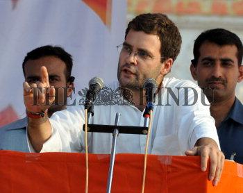 Image Id : 108089306 <span>Date : 2009-04-08 <span>Category : Politics</span>