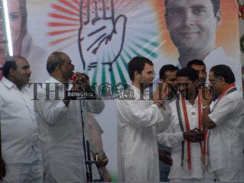 Image Id : 108090008 <span>Date : 2009-04-07 <span>Category : Politics</span>