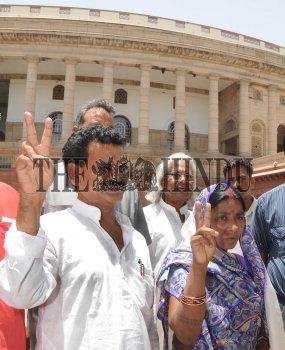 Image Id : 109110773 <span>Date : 2009-06-08 <span>Category : Politics</span>