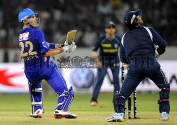 Image Id : 123162441 <span>Date : 2011-04-09 <span>Category : Sport</span>