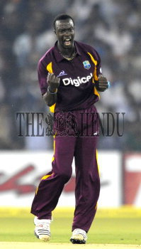 Image Id : 128911221 <span>Date : 2011-11-29 <span>Category : Sport</span>