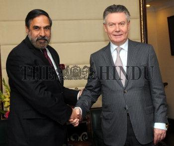 Image Id : 130906846 <span>Date : 2012-02-09 <span>Category : Politics</span>
