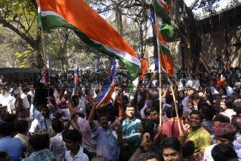 Image Id : 131098402 <span>Date : 2012-02-17 <span>Category : Politics</span>
