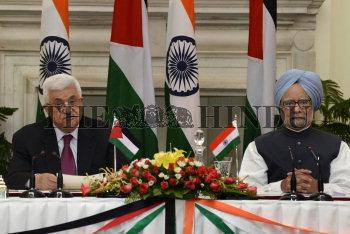 Image Id : 136067354 <span>Date : 2012-09-11 <span>Category : Politics</span>