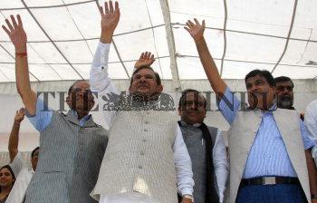Image Id : 136366600 <span>Date : 2012-09-20 <span>Category : Politics</span>