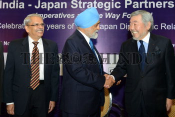 Image Id : 138272429 <span>Date : 2012-11-21 <span>Category : Politics</span>