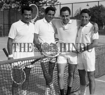Image Id : 156456154 <span>Date : 1962-11-26 <span>Category : Sport</span>